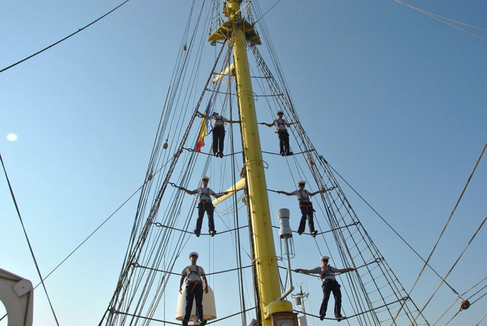 Studenţii vorbesc despre experienţa pe mare la bordul bricului Mircea