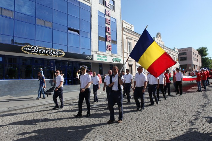 What prizes were the Romanian crews awarded in the Black Sea Tall Ships Regatta up to now?